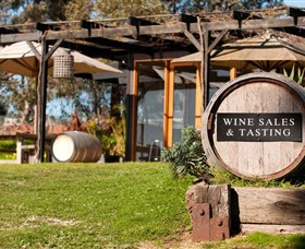 Saint Regis Winery Food  Wine Bar - Accommodation Yamba