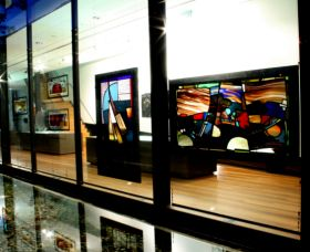 National Art Glass Collection - Accommodation Yamba