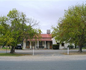 Round Hill Hotel - Accommodation Yamba