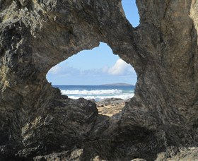 Glasshouse Rocks and Pillow Lava - Accommodation Yamba