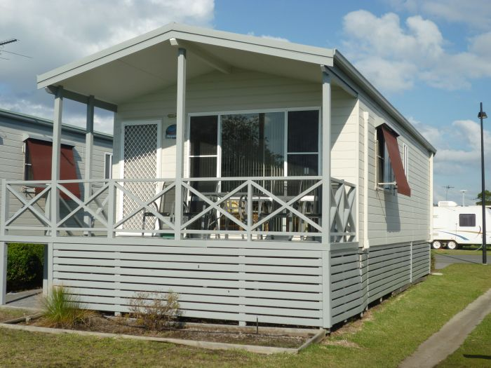 Belmont Pines Lakeside Holiday Park - Accommodation Yamba