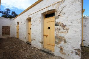 Police Lockup And Stables - Accommodation Yamba