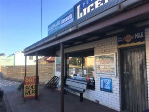 Peterborough Licensed Grocers - Accommodation Yamba