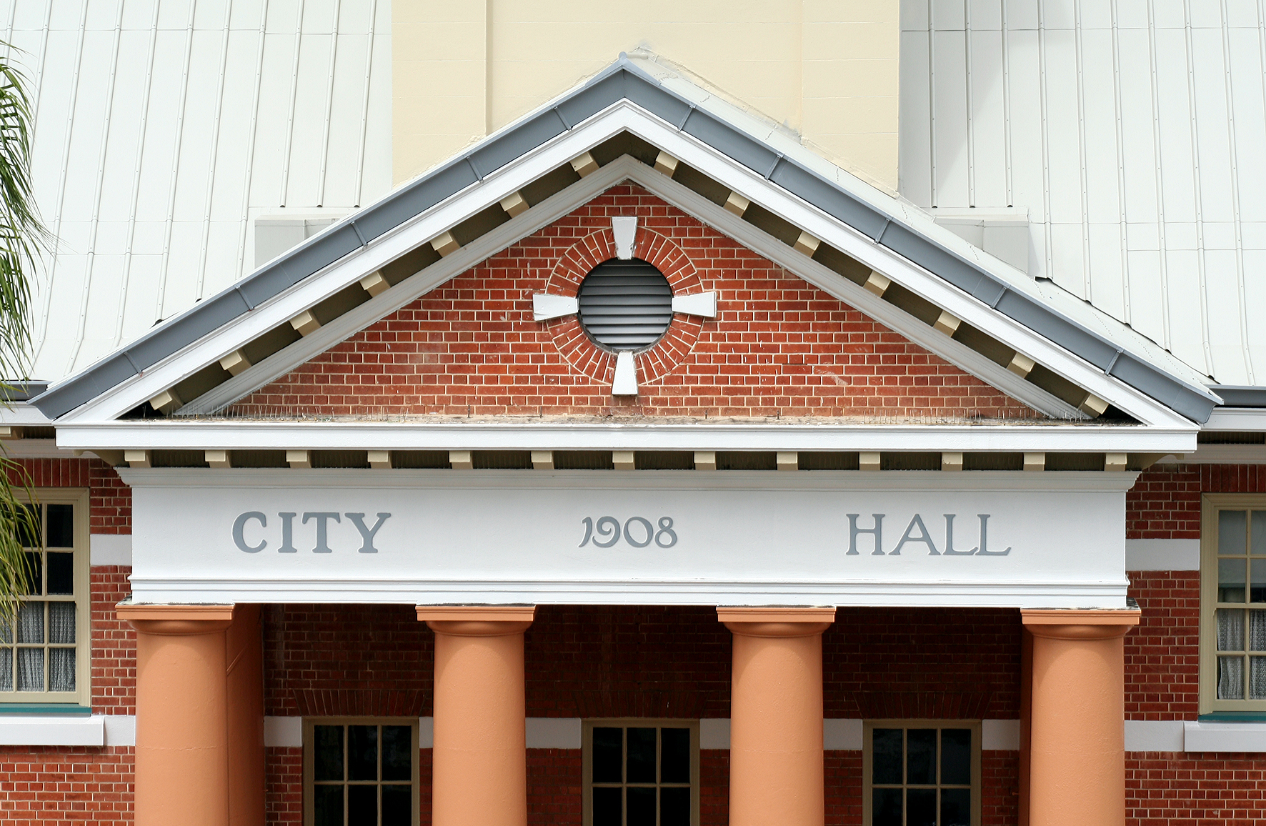 Maryborough City Hall - Accommodation Yamba