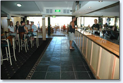Bateau Bay Hotel - Accommodation Yamba