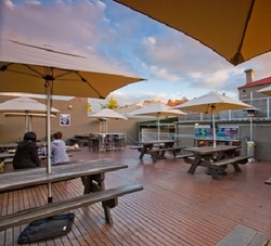 The Hawthorn Hotel - Accommodation Yamba
