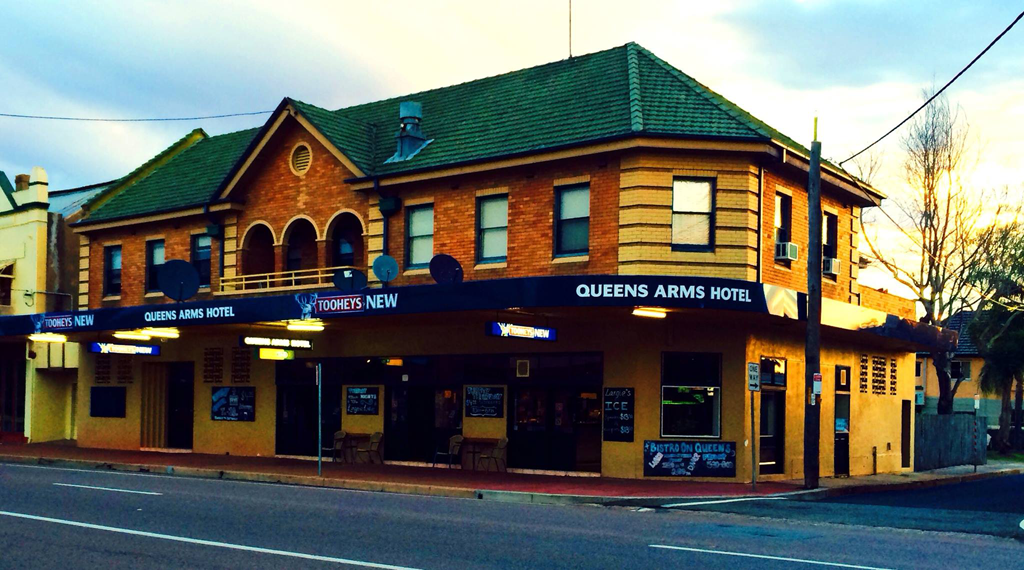 Queens Arms Hotel - Accommodation Yamba