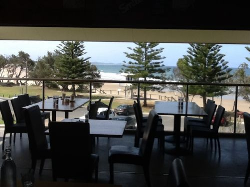 Fat Fish Beachfront Bistro - Accommodation Yamba