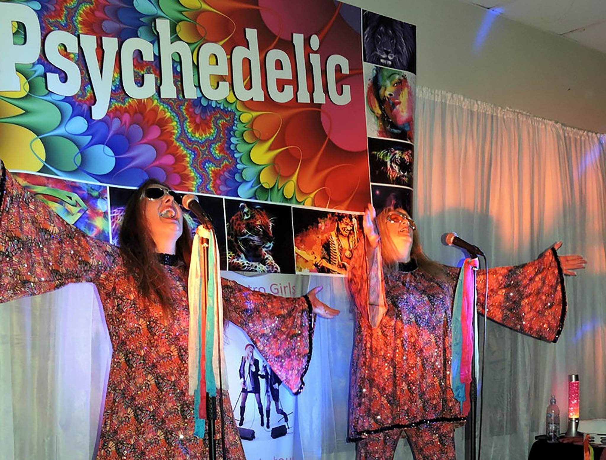 Psychedelic 70s Show The Retro Girls - Accommodation Yamba