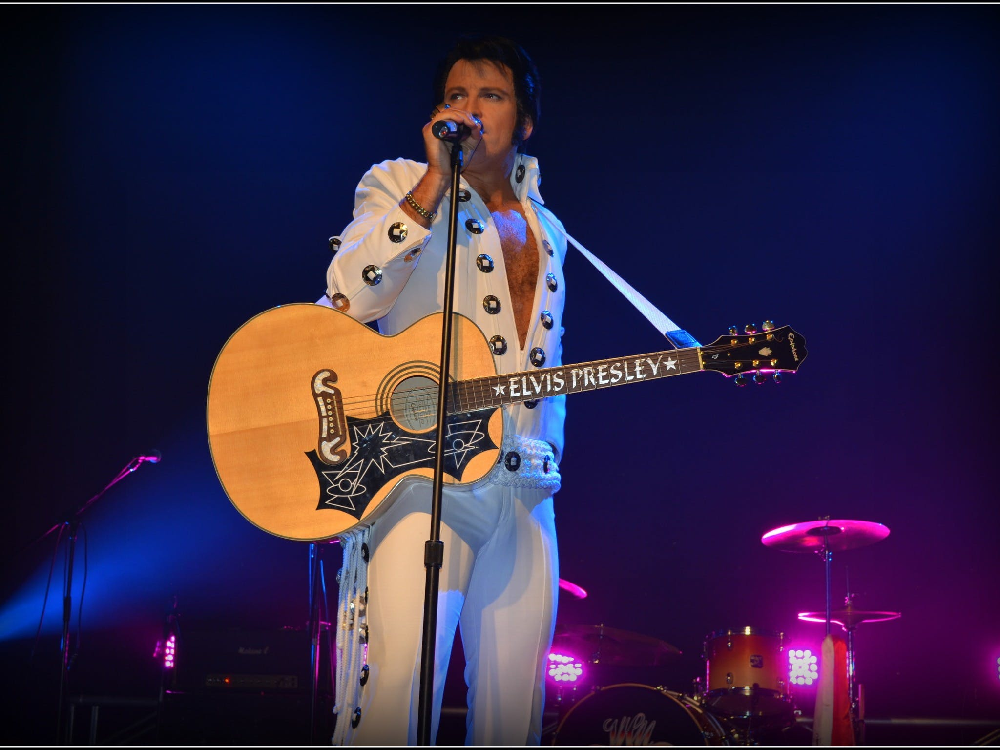 Elvis Forever - Damian Mullin 'Up Close and Personal' - Accommodation Yamba