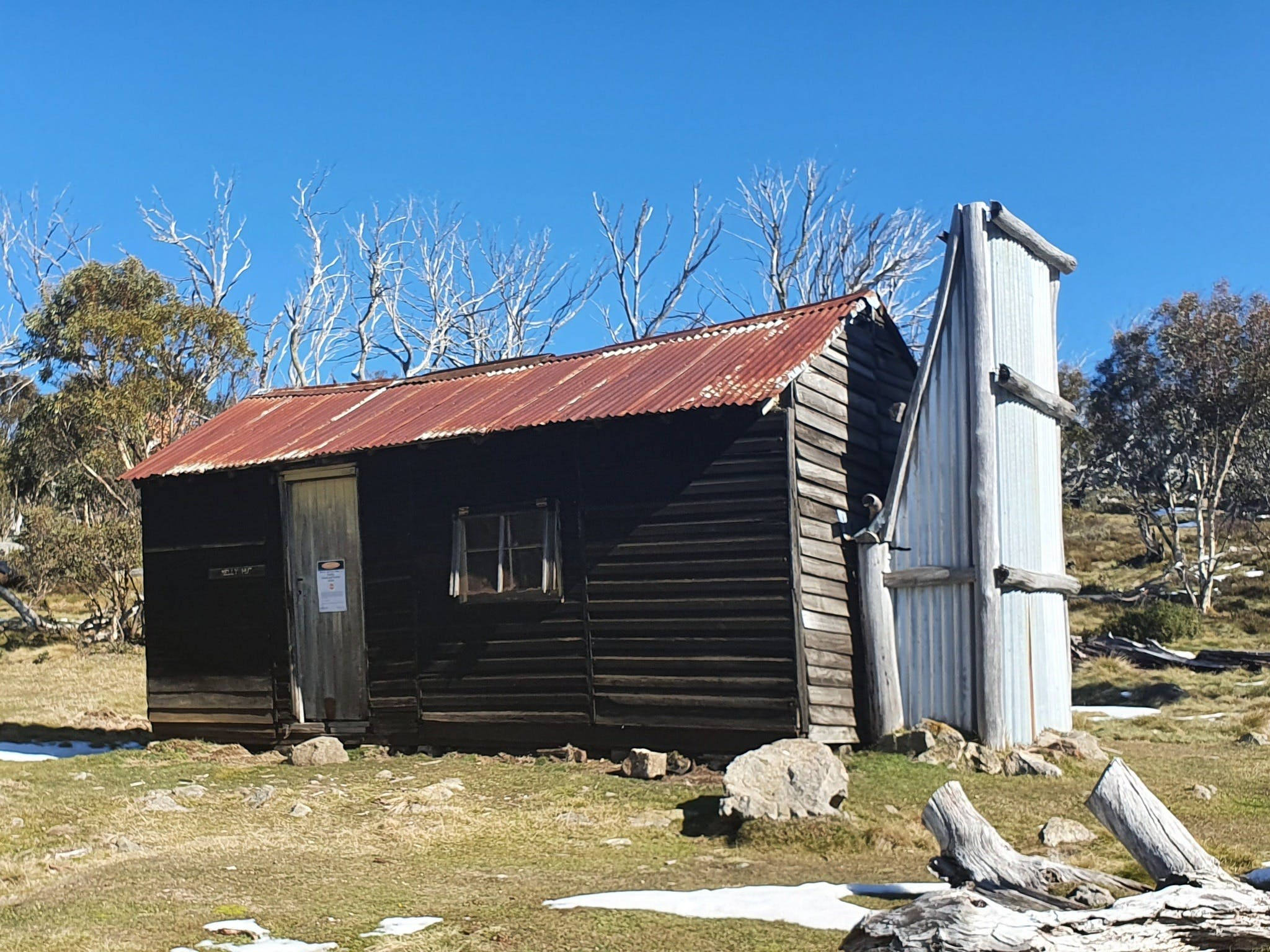 Hedonistic Hiking's Razorback to Harrietville - Accommodation Yamba