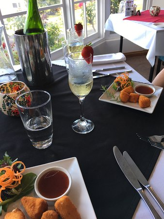 Top of the Hill Restaurant - Accommodation Yamba