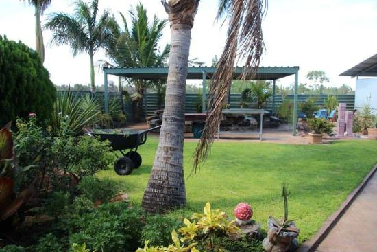 Devils Marbles Hotel - Accommodation Yamba
