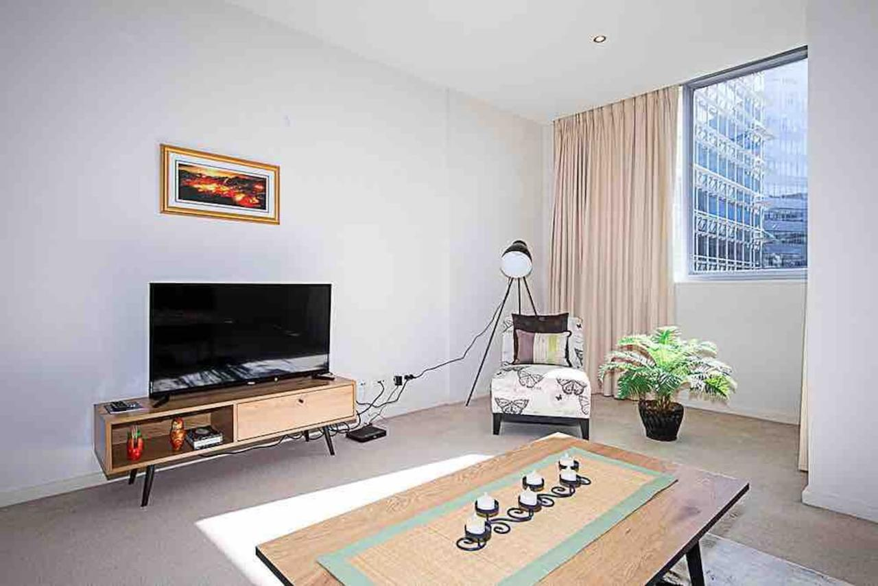 Spacious 1BR Stylish New Acton Apartment Parking - Accommodation Yamba