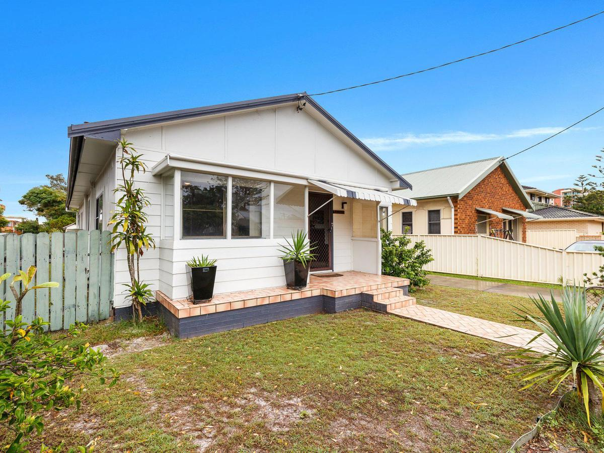 Wyvern - Accommodation Yamba