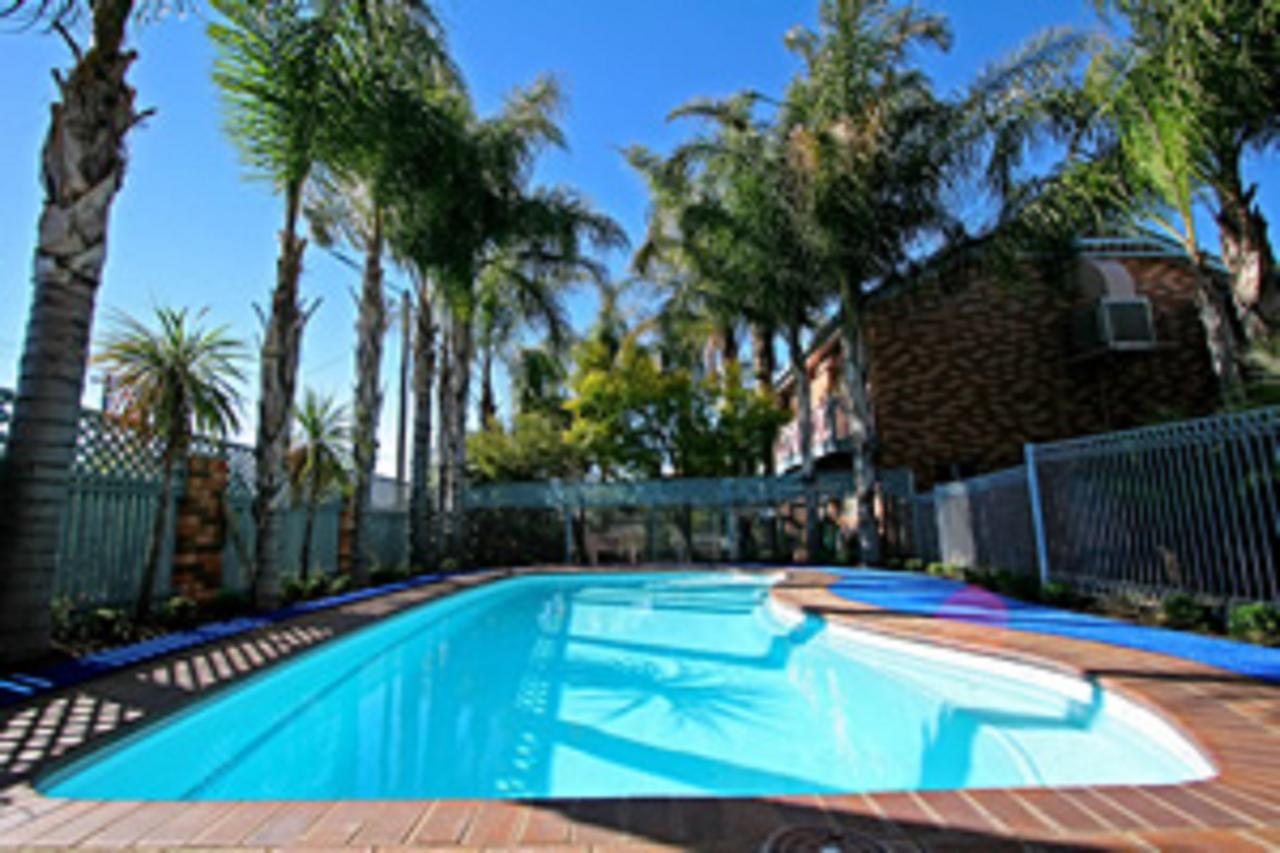 Cattlemans Country Motor Inn  Serviced Apartments - Accommodation Yamba
