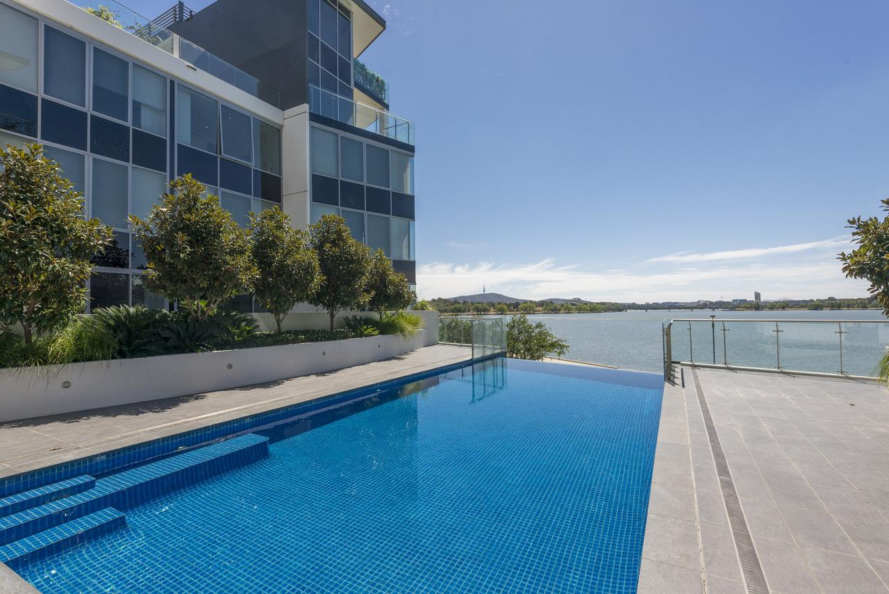 Accommodate Canberra - Lakefront - Accommodation Yamba