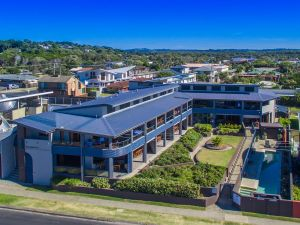 Lennox Holiday Apartments - Accommodation Yamba