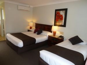 McNevins Warwick Motel - Accommodation Yamba