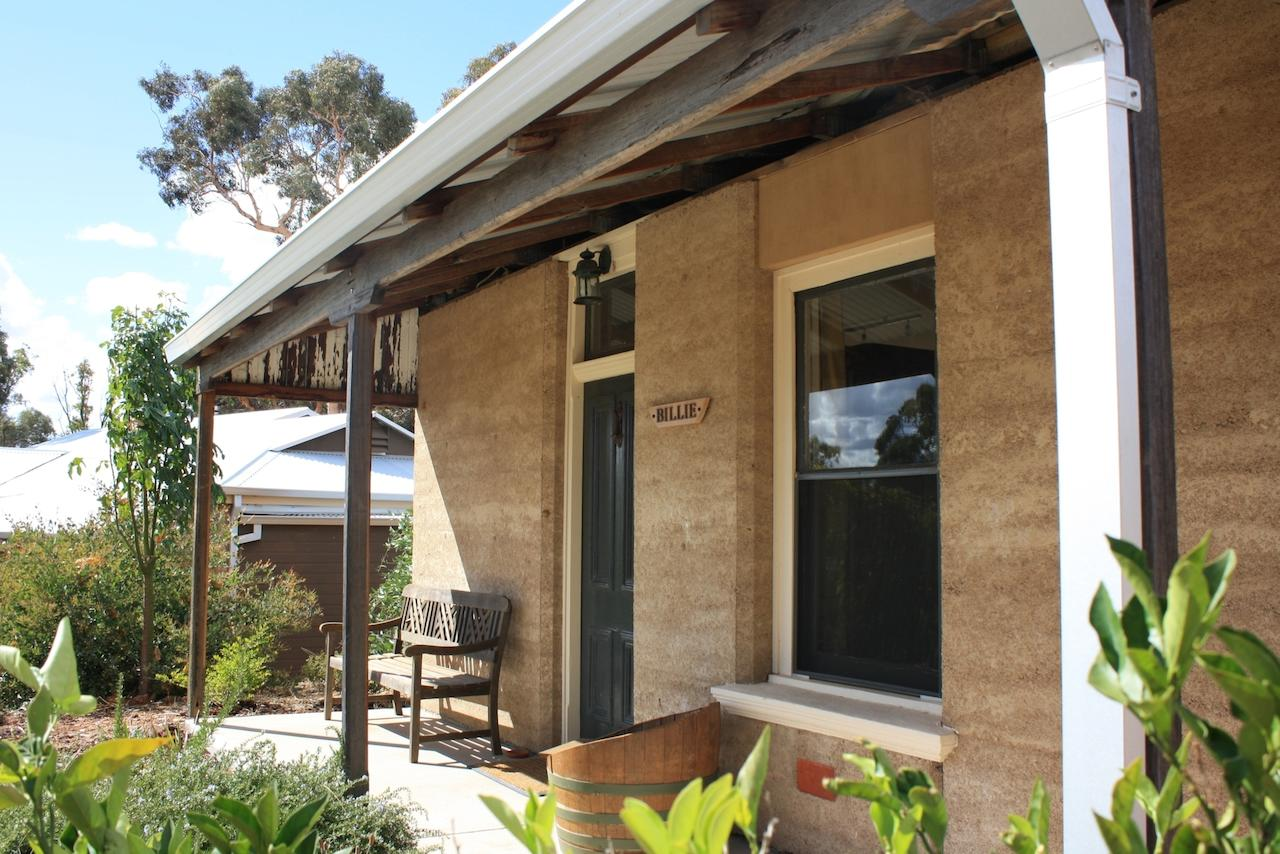 Hotham Ridge Winery and Cottages - Accommodation Yamba