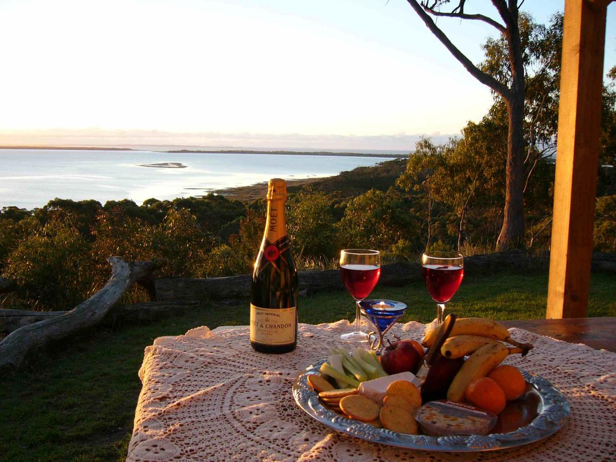 Island View Spa Cottage - Accommodation Yamba