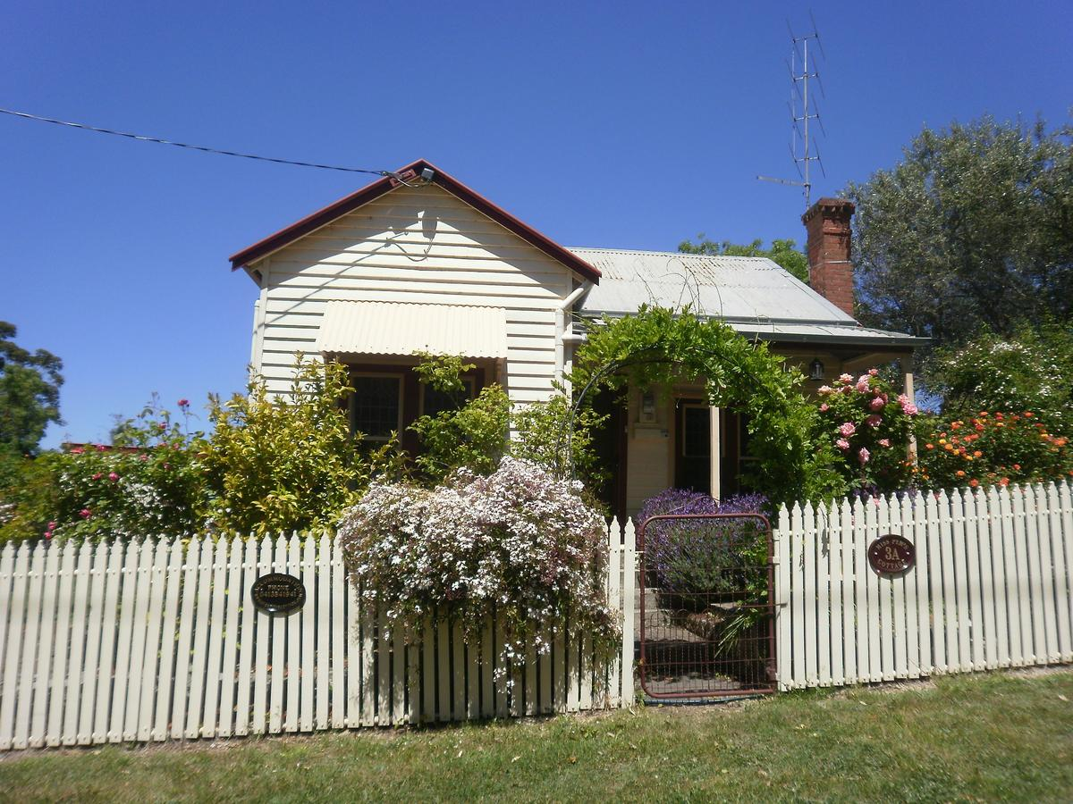 Miss Pym's Cottage - Accommodation Yamba