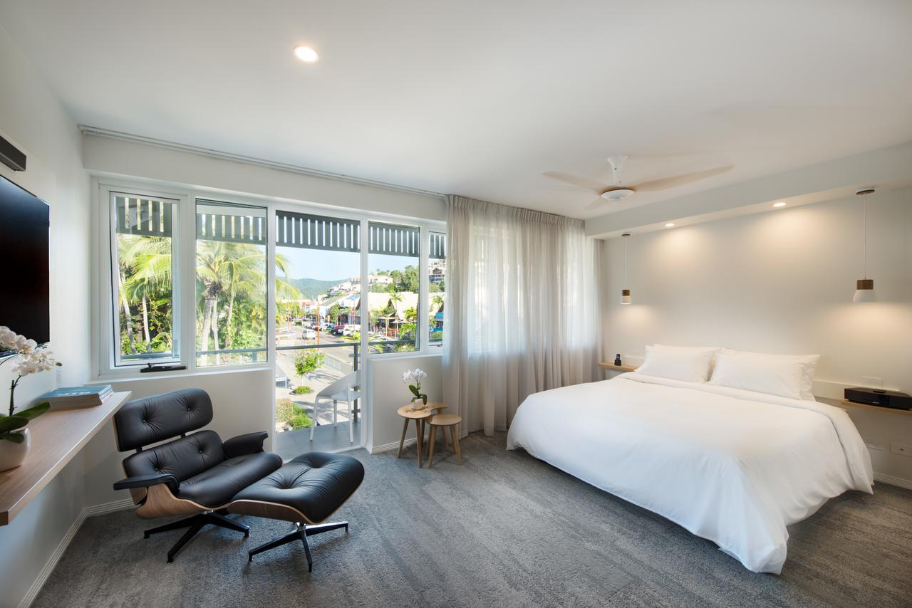Heart Hotel and Gallery Whitsundays - Accommodation Yamba